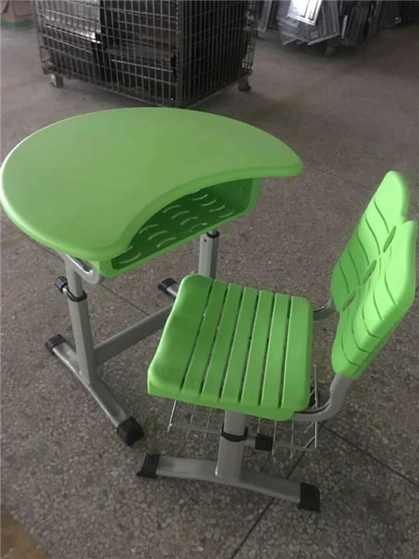导型课桌椅